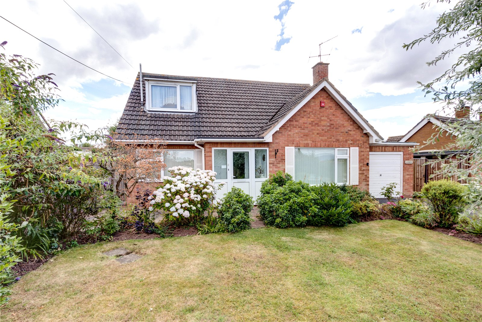 3 Bedrooms Bungalow for sale in Old Road South Kempsey Worcester WR5