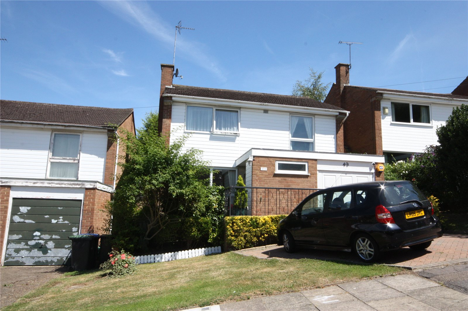 4 Bedrooms Detached House for sale in Chase Ridings Enfield Middlesex EN2
