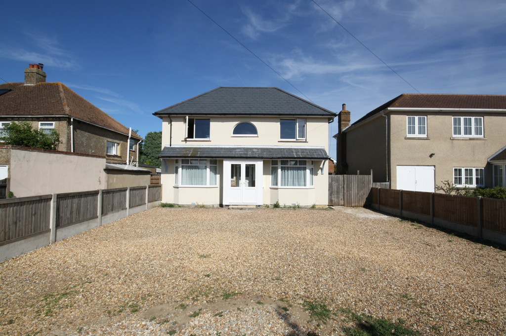 3 Bedrooms Detached House for sale in Sandwich Road, Whitfield , Dover CT16