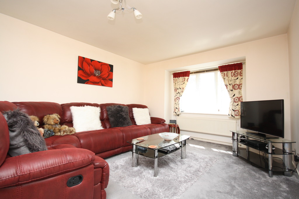 2 Bedrooms Apartment Flat for sale in Priory House, Dover CT17