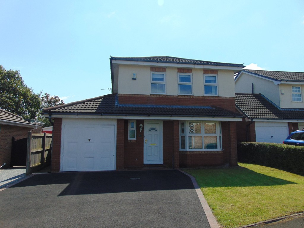 4 Bedrooms Detached House for sale in Kinnerton Close, Moreton CH46