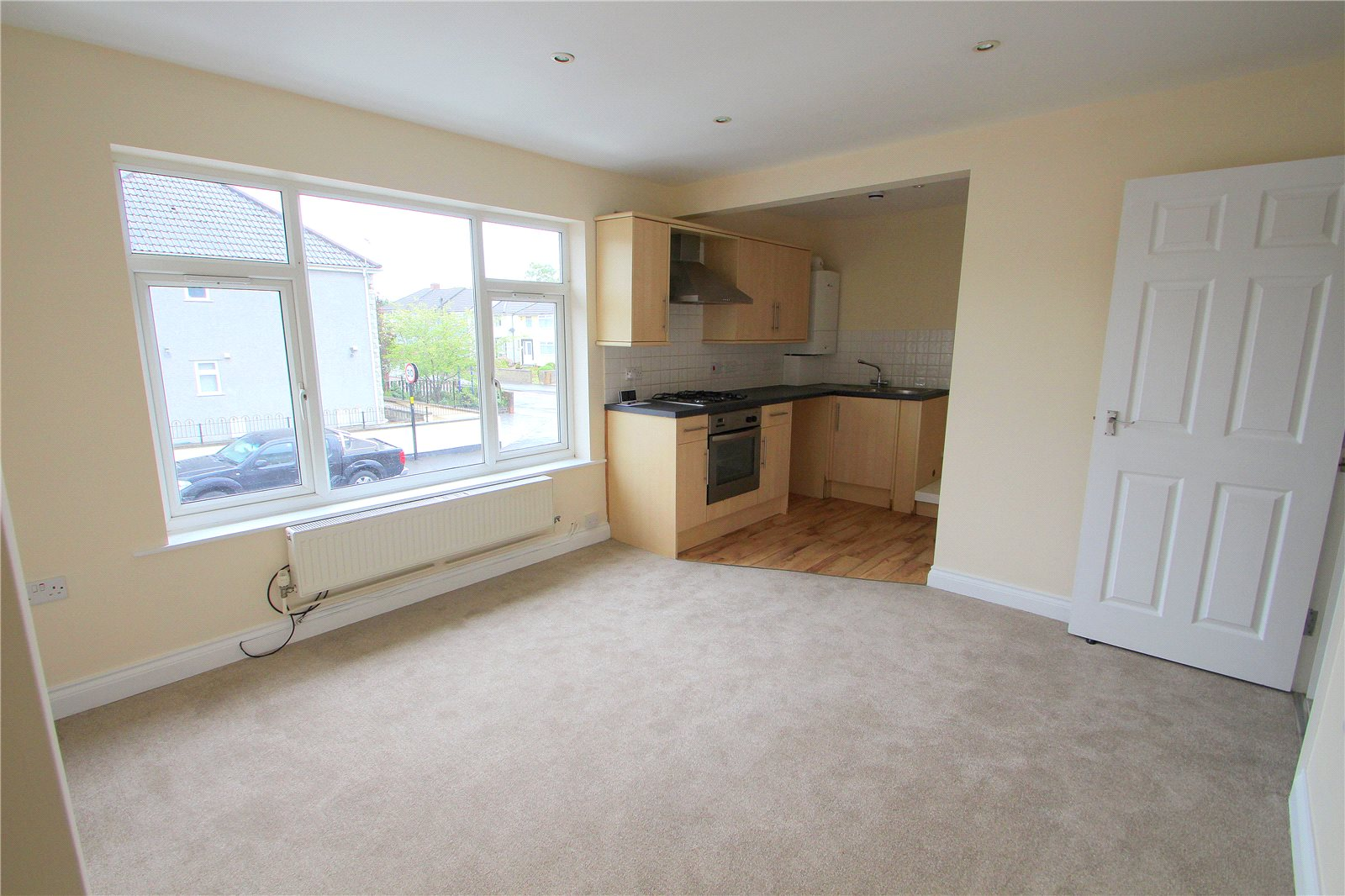 2 Bedrooms Flat for sale in Derham Road Bishopsworth BRISTOL BS13