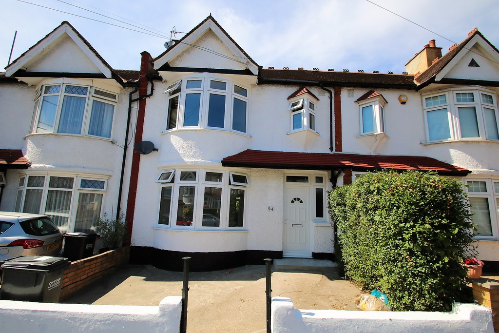 Martin Amp Co Croydon 3 Bedroom Terraced House Let In