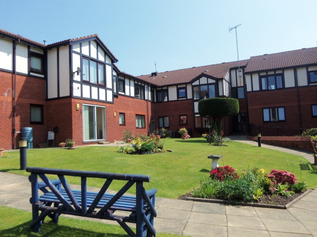 2 Bedrooms Apartment Flat for sale in Quarry Street, Woolton, Liverpool L25