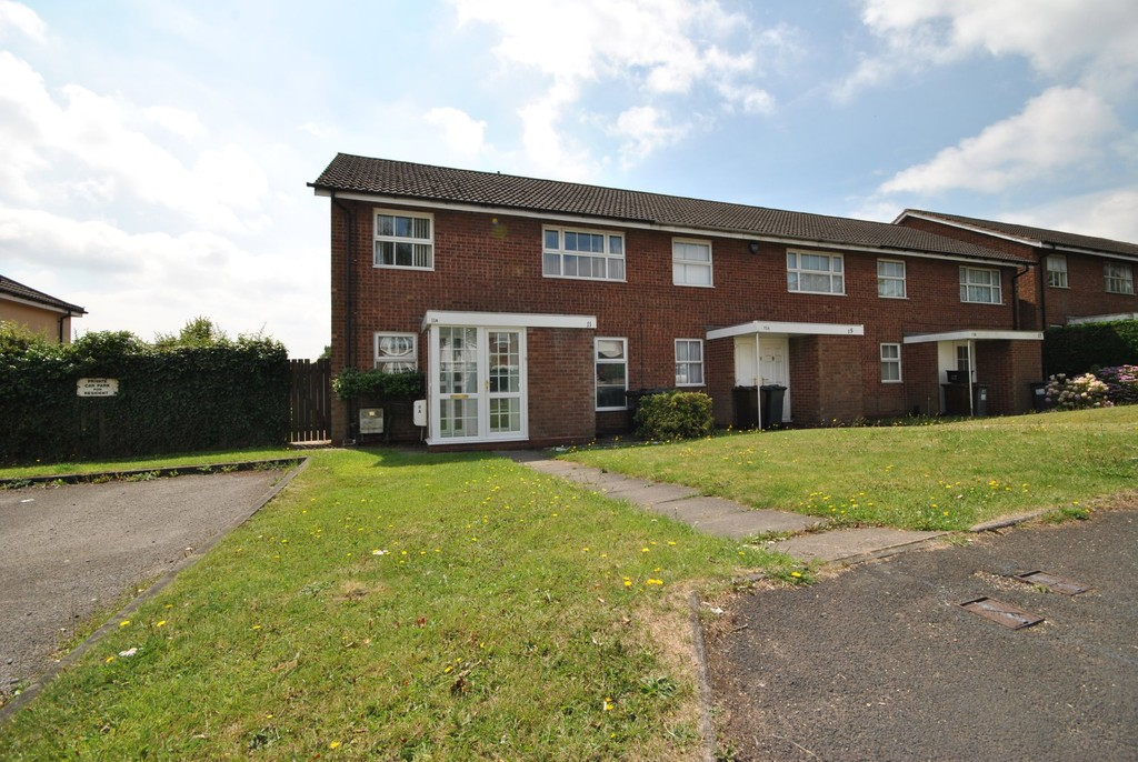 2 Bedrooms Maisonette Flat for sale in High Street, Solihull Lodge B90