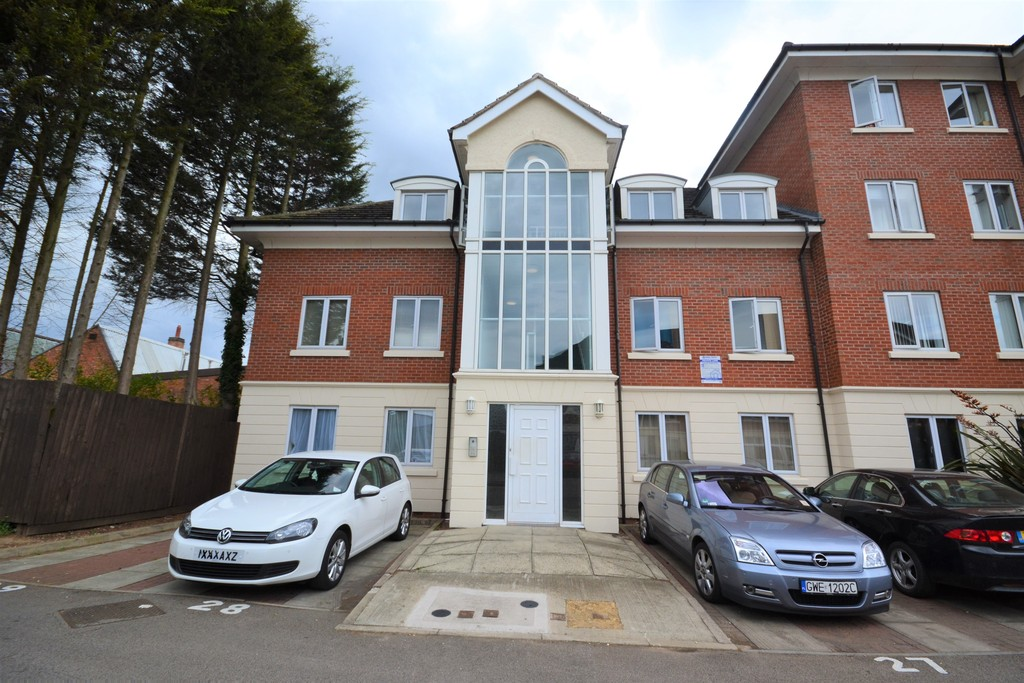 2 Bedrooms Apartment Flat for sale in Bradgate Street, Off Blackbird Road LE4