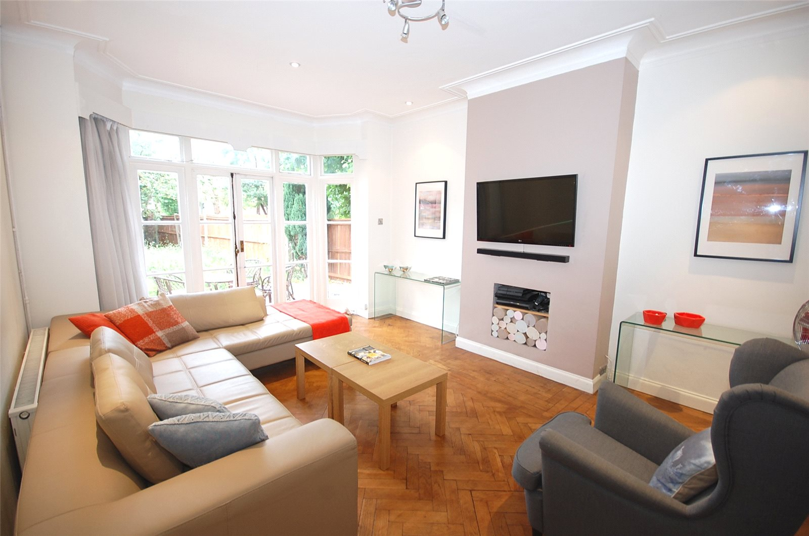 4 Bedrooms Semi Detached House for sale in Long Lane Finchley London N3