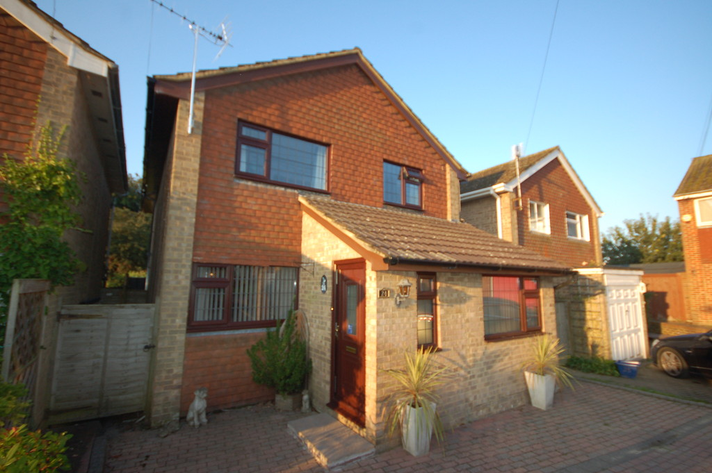 4 Bedrooms Detached House for sale in Uckfield, East Sussex TN22