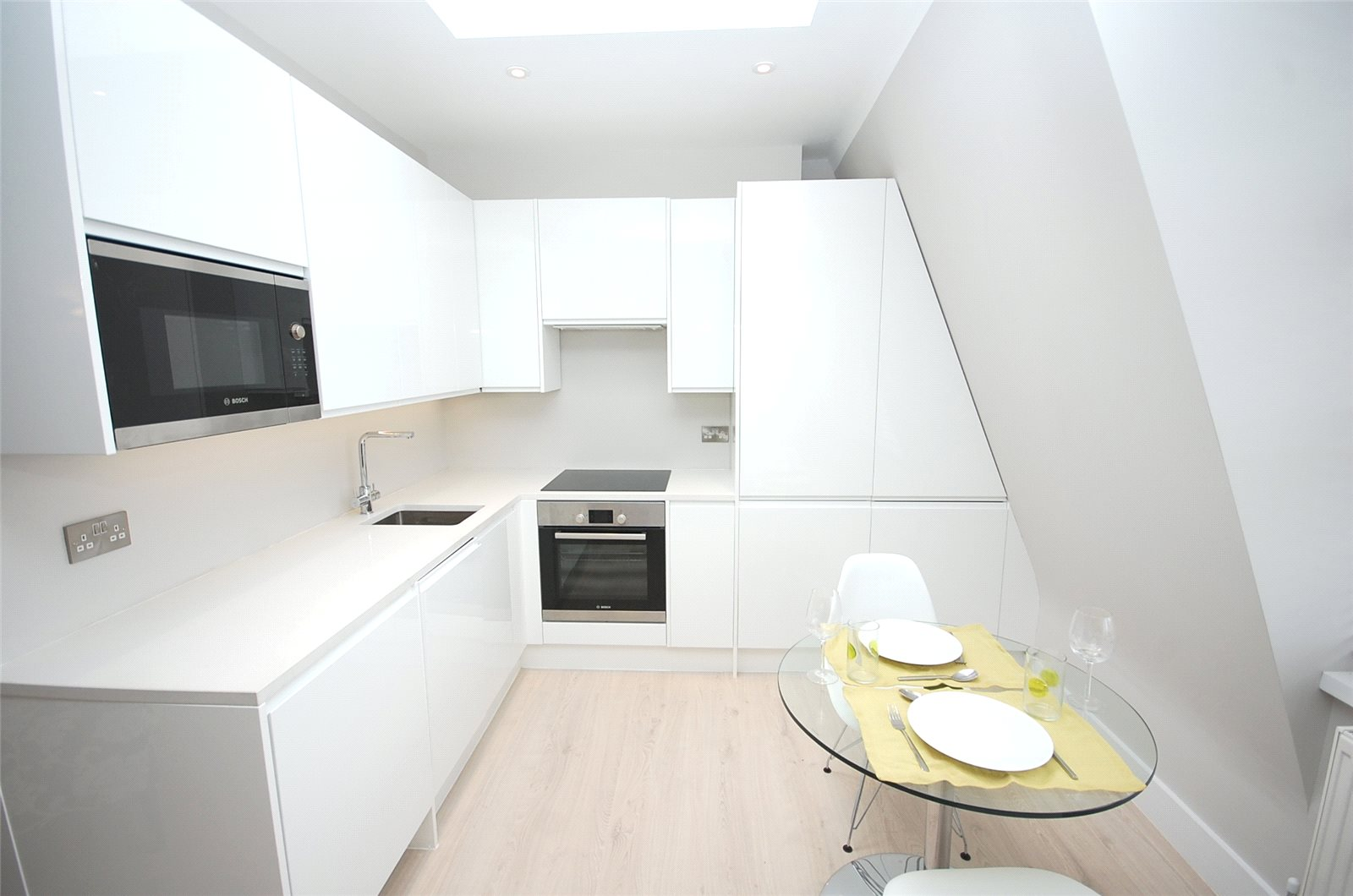 1 Bedroom Flat for sale in Woodhouse Road London N12