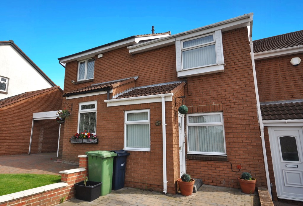 3 Bedrooms Property for sale in Sunnybrow, Silksworth, Sunderland SR3