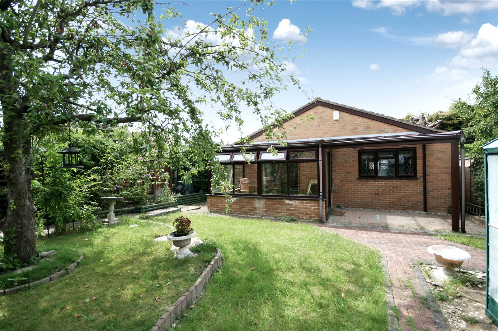3 Bedrooms Bungalow for sale in St Nicholas Drive Pittville Cheltenham GL50
