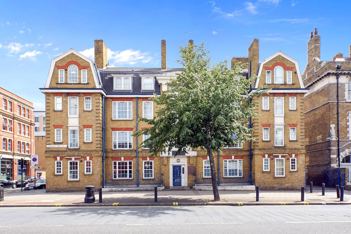 3 Bedrooms Flat for sale in Cambridge Heath Road Bethnal Green E2
