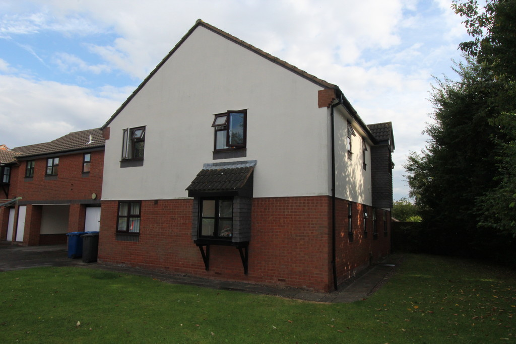 1 Bedroom Flat for sale in Furness, Glascote B77