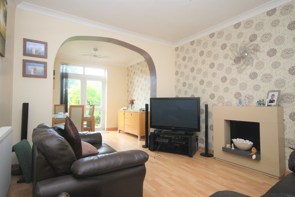 3 Bedrooms Detached House for sale in Bowling Green Road, Hinckley LE10