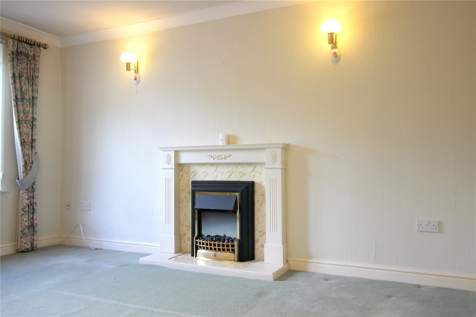 Cj Hole Cirencester 2 Bedroom Flat For Sale In Barclay