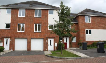 Regis Park Road Reading Berkshire RG6 Image 1