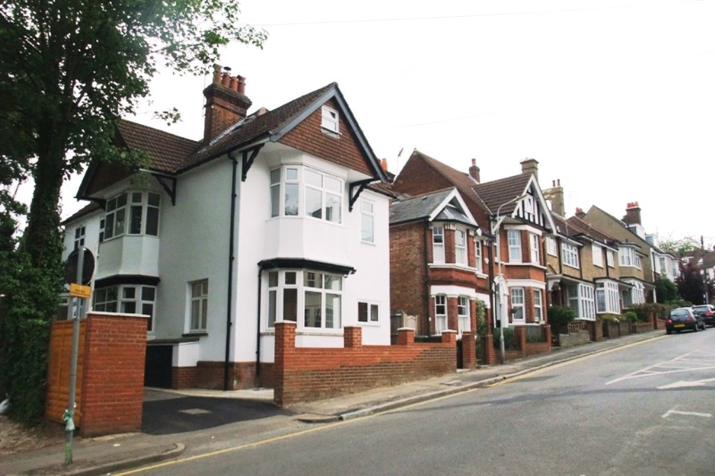 3 Bedrooms Property for sale in Upton Avenue, Central St Albans AL3