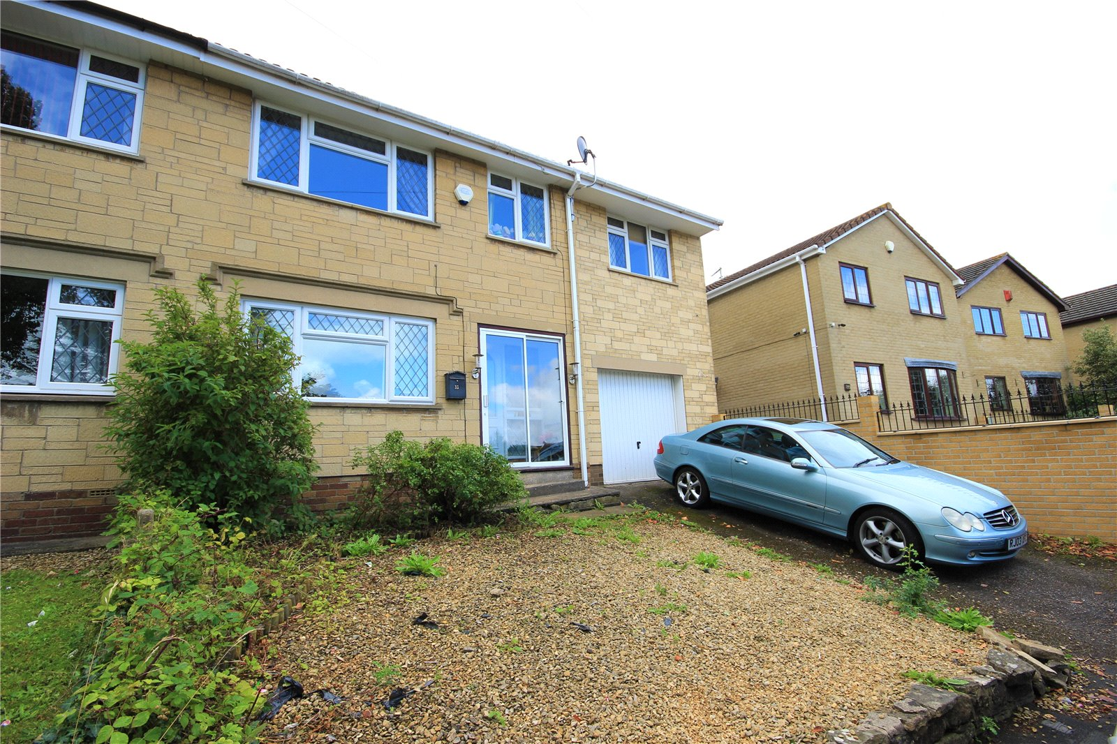 4 Bedrooms Semi Detached House for sale in Selworthy Kingswood Bristol BS15
