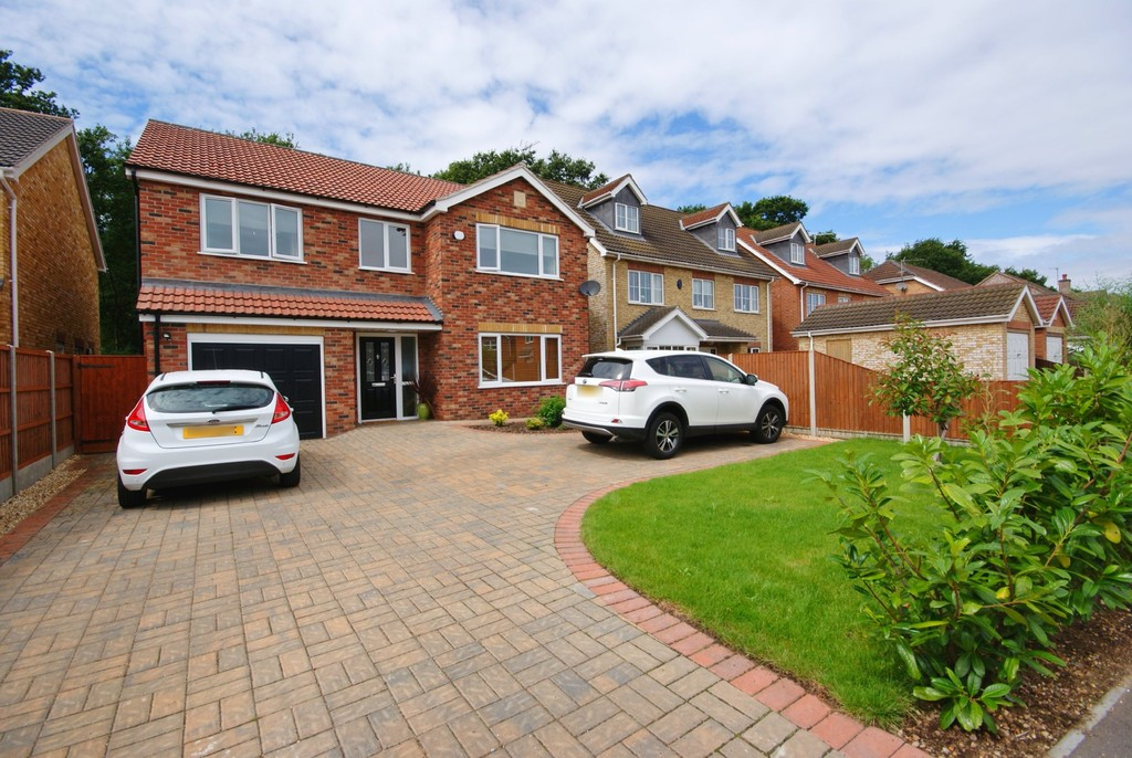 4 Bedrooms Detached House for sale in Ascot Way, North Hykeham, Lincoln LN6