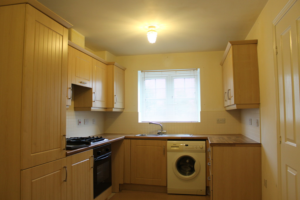 3 Bedrooms Terraced House for sale in Oxford Close, Longbenton NE12