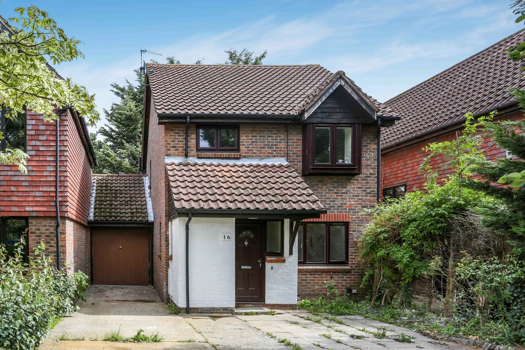 3 Bedrooms Detached House for sale in Crowntree Close, Isleworth TW7