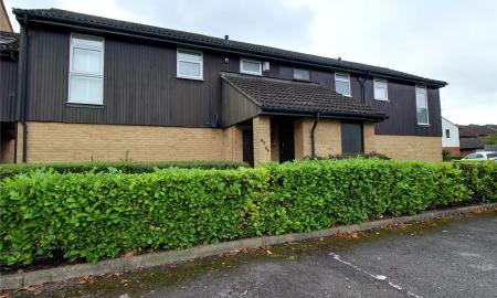 Fleetham Gardens Lower Earley Reading RG6 Image 6