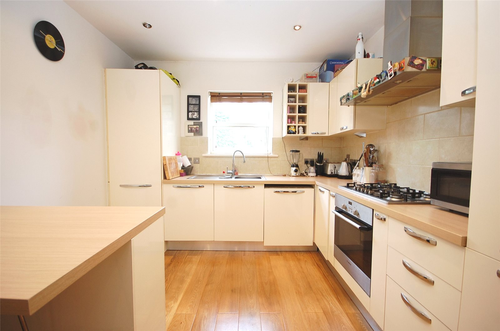 2 Bedrooms Flat for sale in Squires Lane Finchley London N3