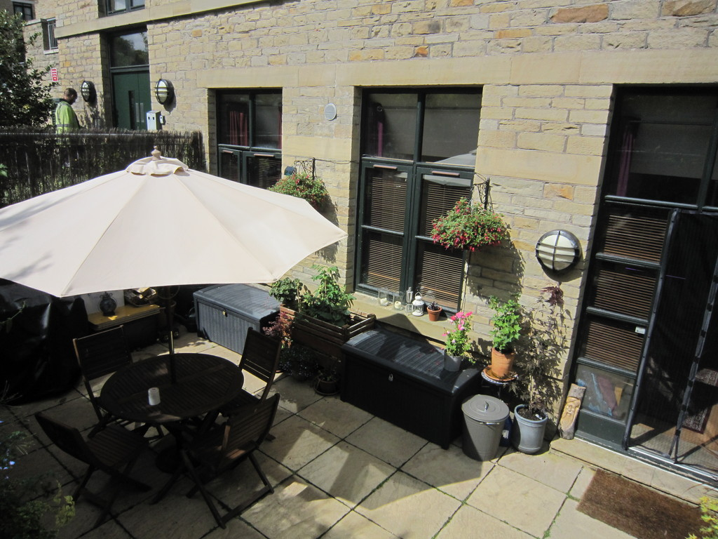 1 Bedroom Apartment Flat for sale in Whitfield Mill, Apperley Bridge BD10