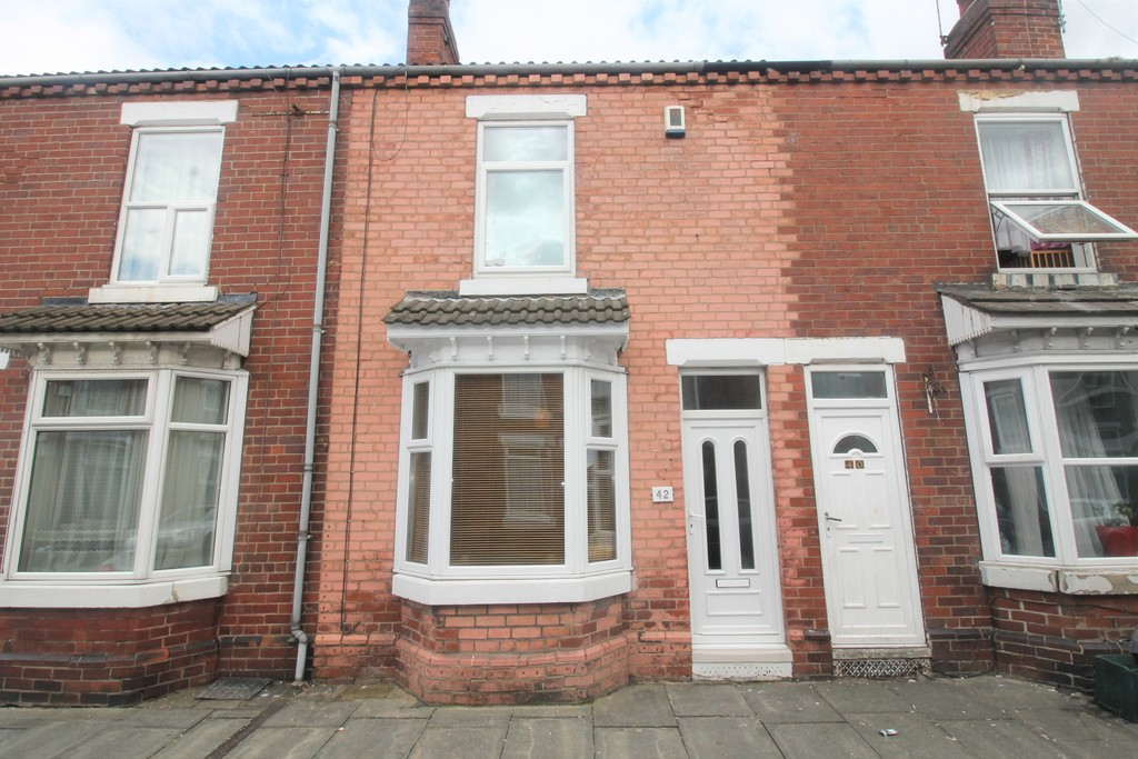2 Bedrooms Terraced House for sale in Somerset Road, Hyde Park, Doncaster DN1
