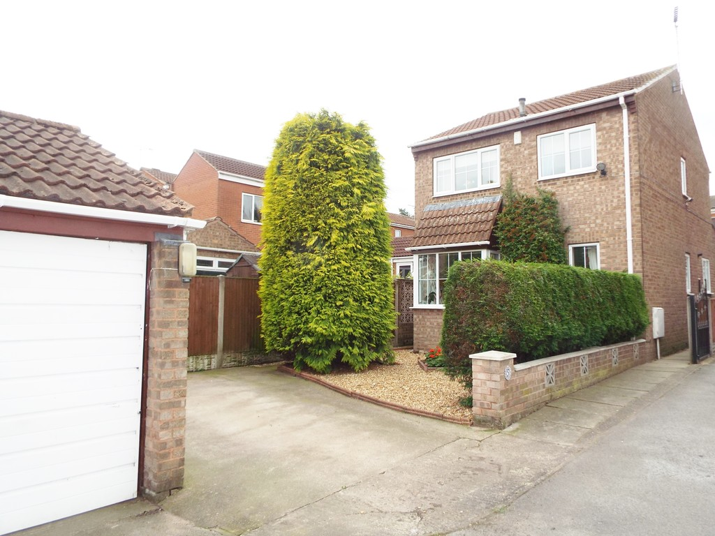 3 Bedrooms Detached House for sale in Statham Court, Worksop, Nottinghamshire S81