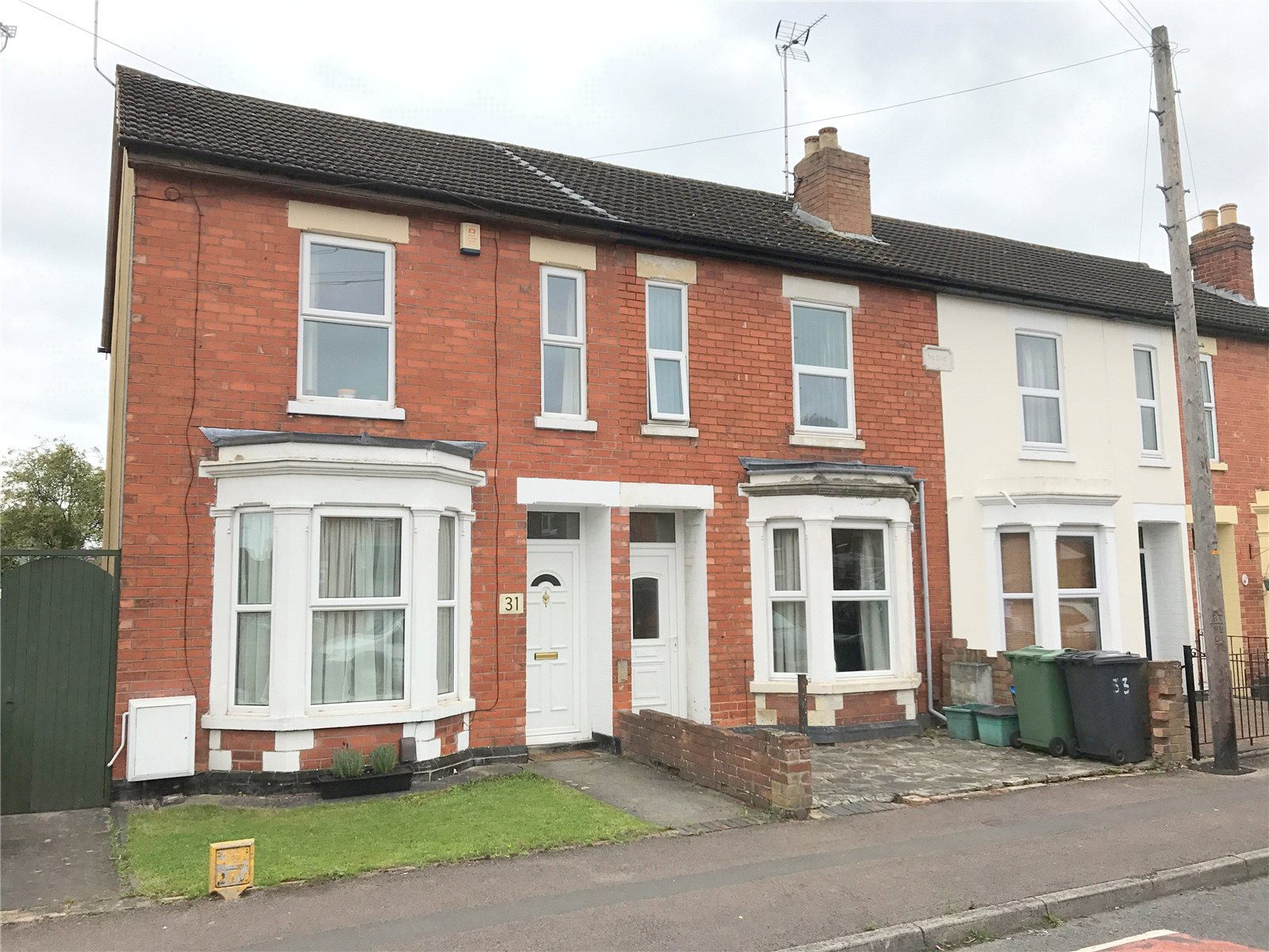 3 Bedrooms Semi Detached House for sale in Wilton Road Gloucester GL1