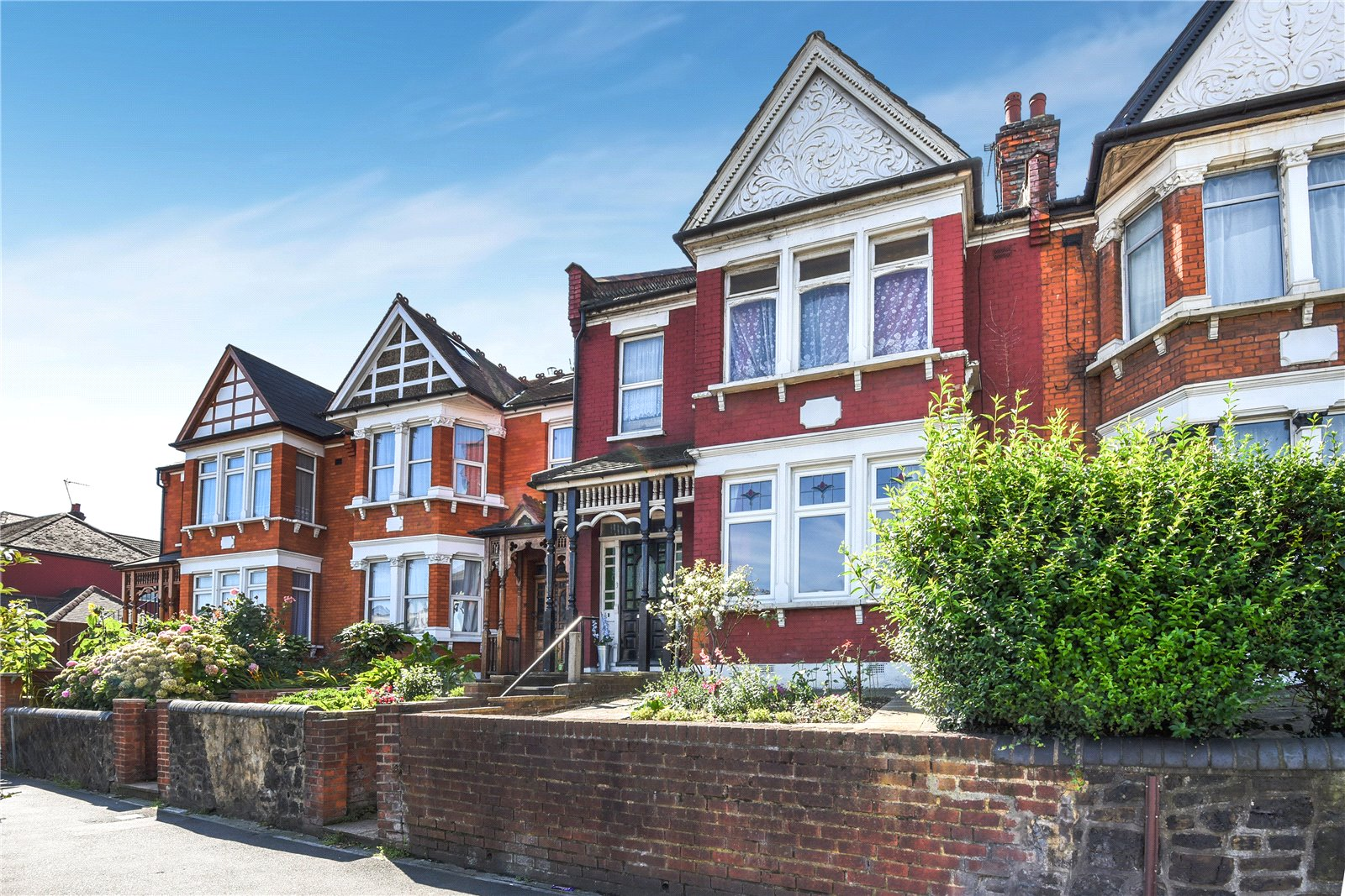 2 Bedrooms Flat for sale in Bowes Road Bounds Green London N11