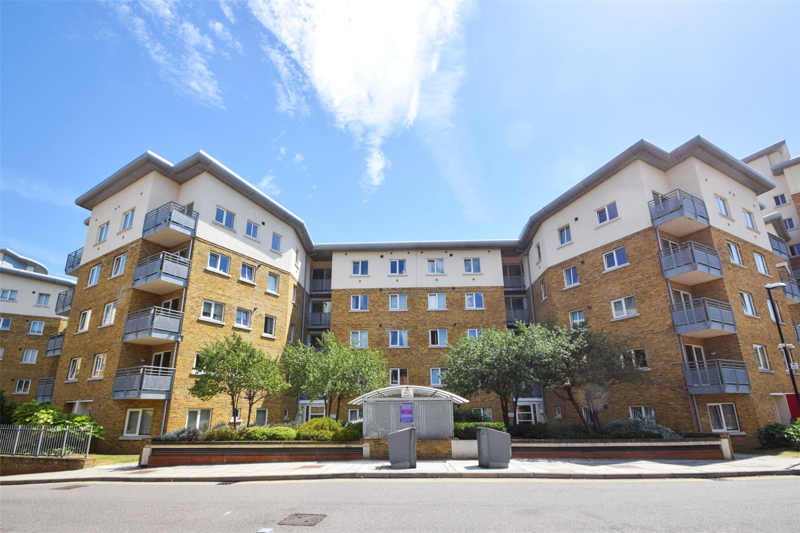 2 Bedrooms Flat for sale in John Bell Tower Pancras Way Bow E3