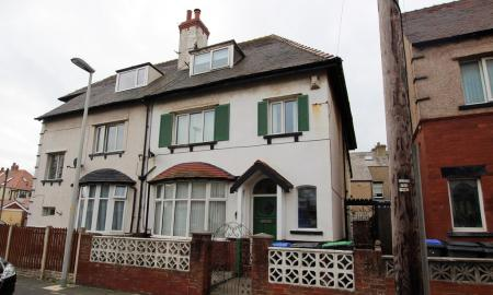 Photo of 5 bedroom Semi-Detached House for sale
