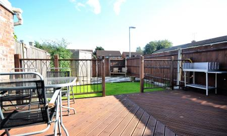 Meadow Way Theale Reading RG7 Image 15