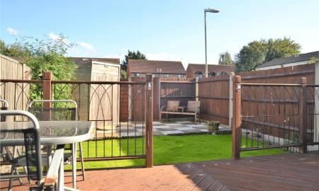 Meadow Way Theale Reading RG7 Image 13
