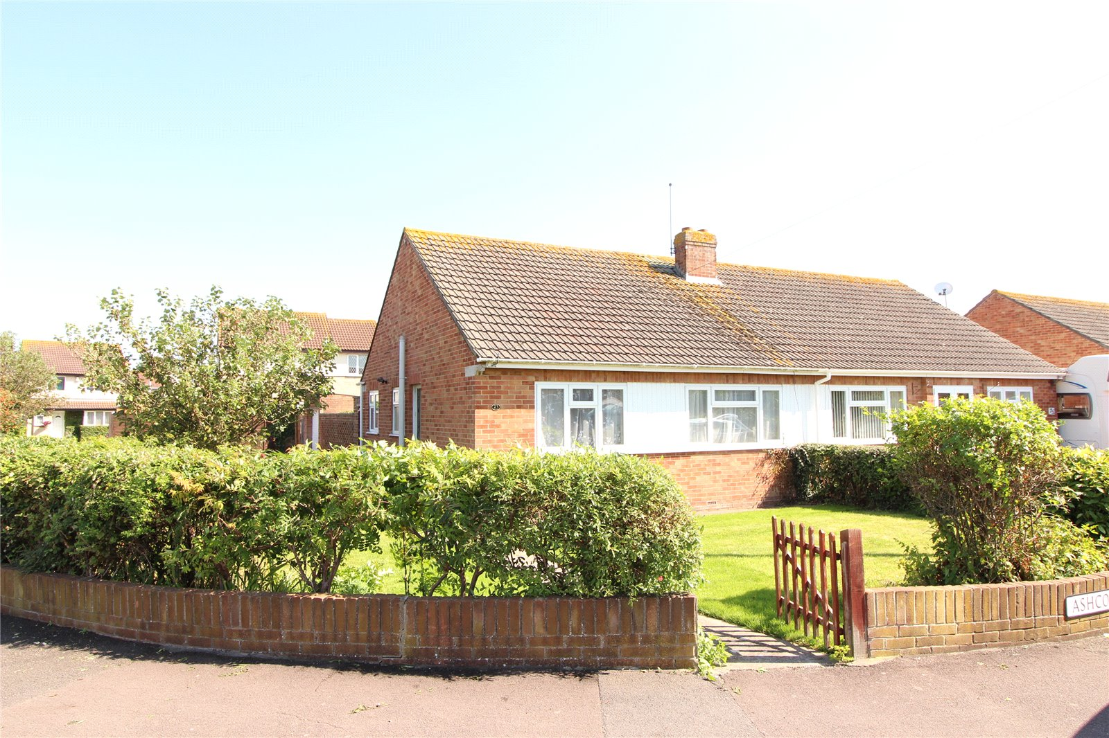 2 Bedrooms Bungalow for sale in Ashcott Drive Burnham on Sea Somerset TA8
