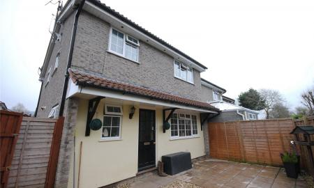 Photo of 2 bedroom House to rent in Fiveways Close CHEDDAR Somerset BS27