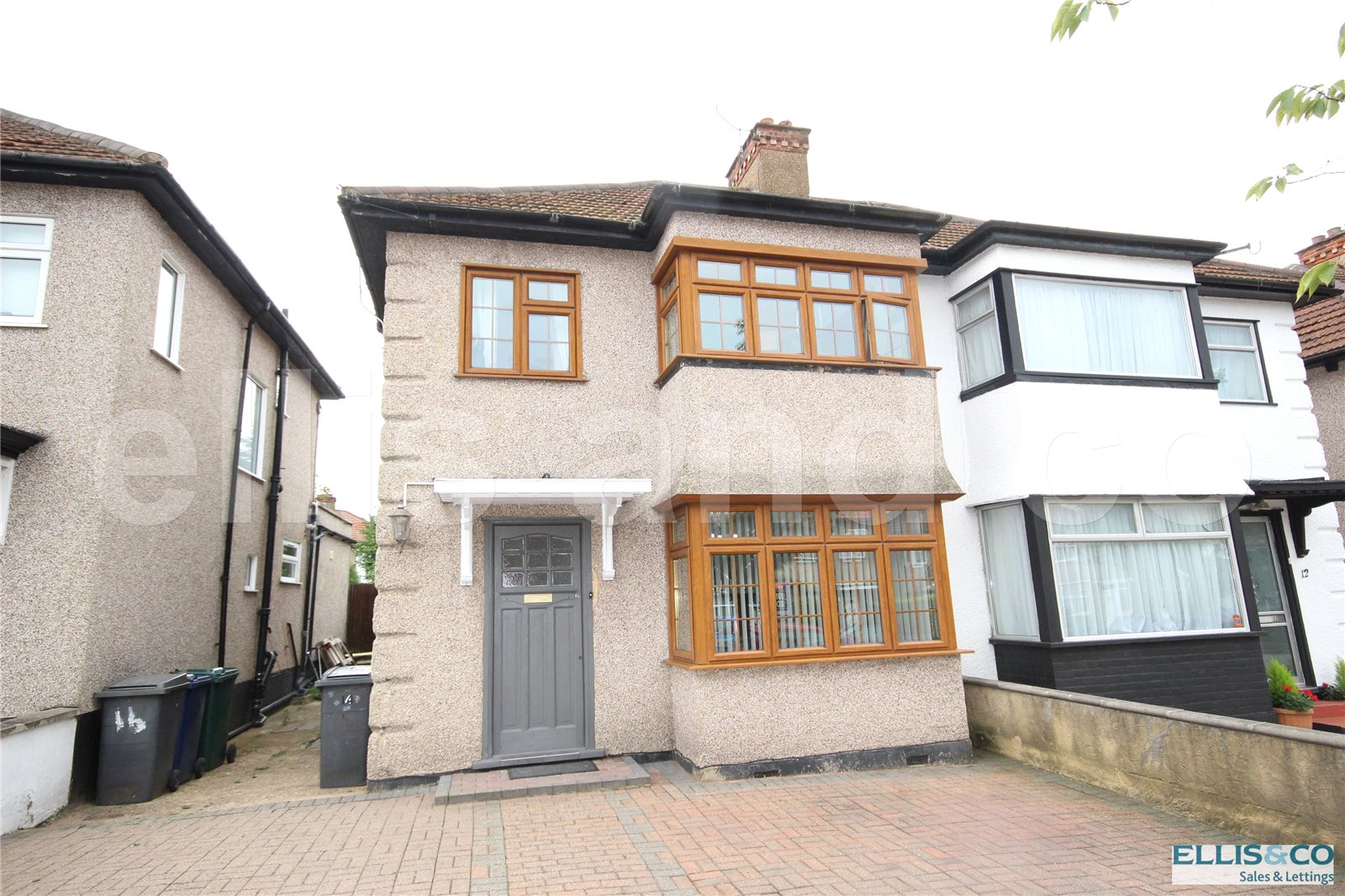 3 Bedrooms Semi Detached House for sale in Orchard Crescent Edgware Middlesex HA8