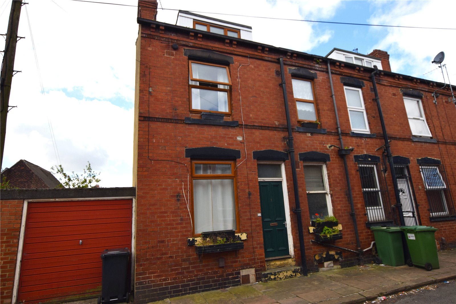 Yorkshire Terrace: Whitegates South Leeds 2 Bedroom House For Sale In Marley