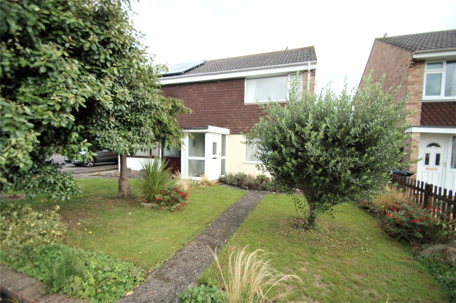3 Bedrooms Semi Detached House for sale in Hawthorn Close Bridgwater Somerset TA6