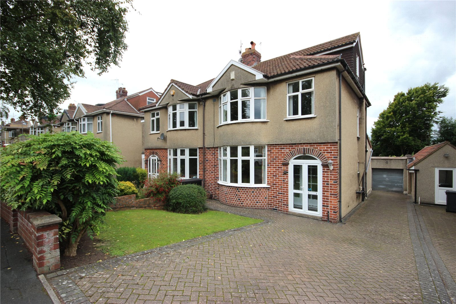 4 Bedrooms Semi Detached House for sale in Kenmore Crescent Filton Park Bristol BS7