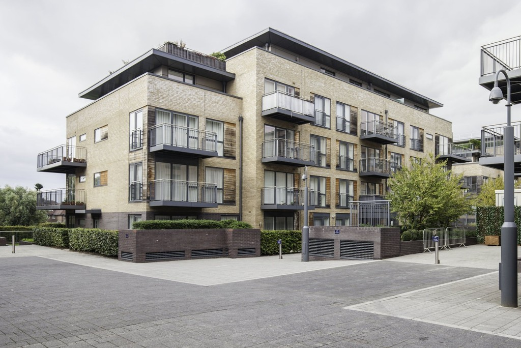 2 Bedrooms Apartment Flat for sale in Marlowe House, Kingsley Walk CB5