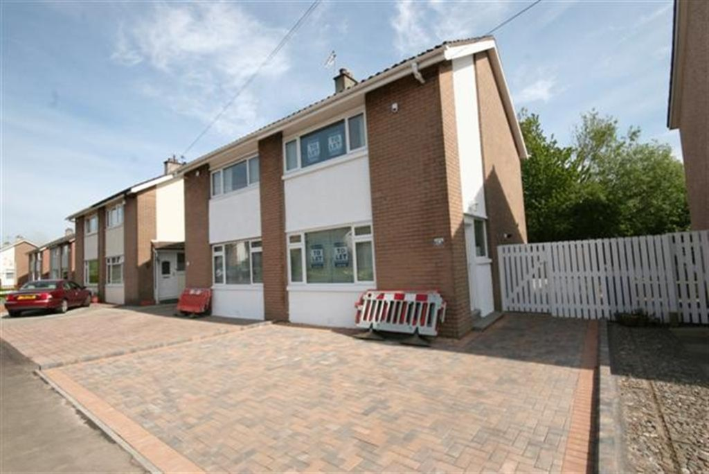 2 Bedrooms Detached House for rent in DUMBRECK - Fleurs Avenue - Two Bed. Unfurnished G41