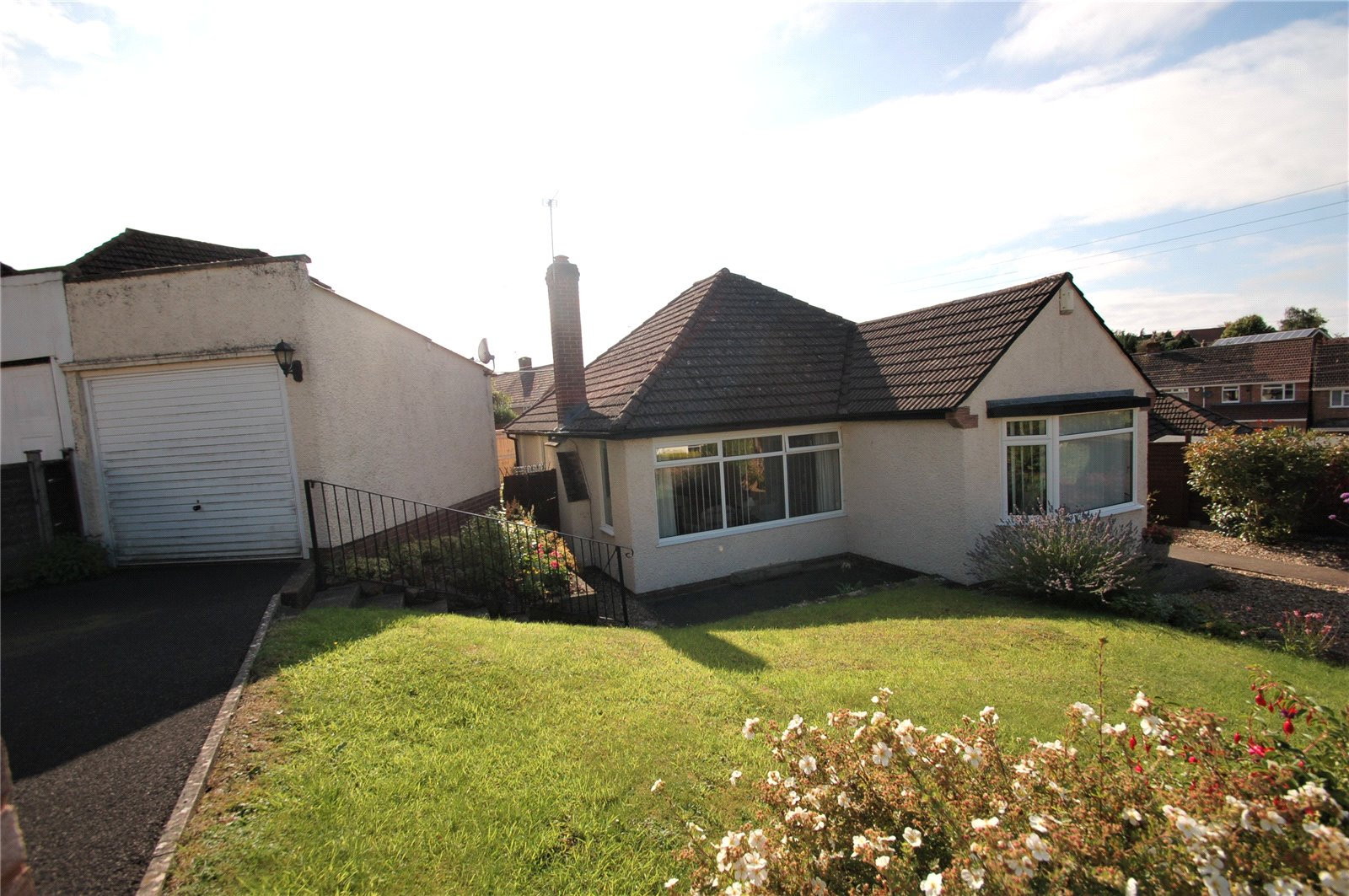 2 Bedrooms Bungalow for sale in Willoughby Road Bridgwater Somerset TA6