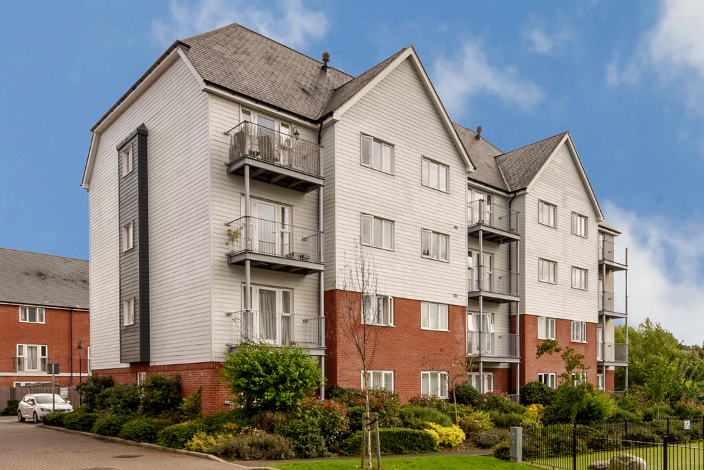 2 Bedrooms Apartment Flat for sale in Westwood Drive, Canterbury CT2