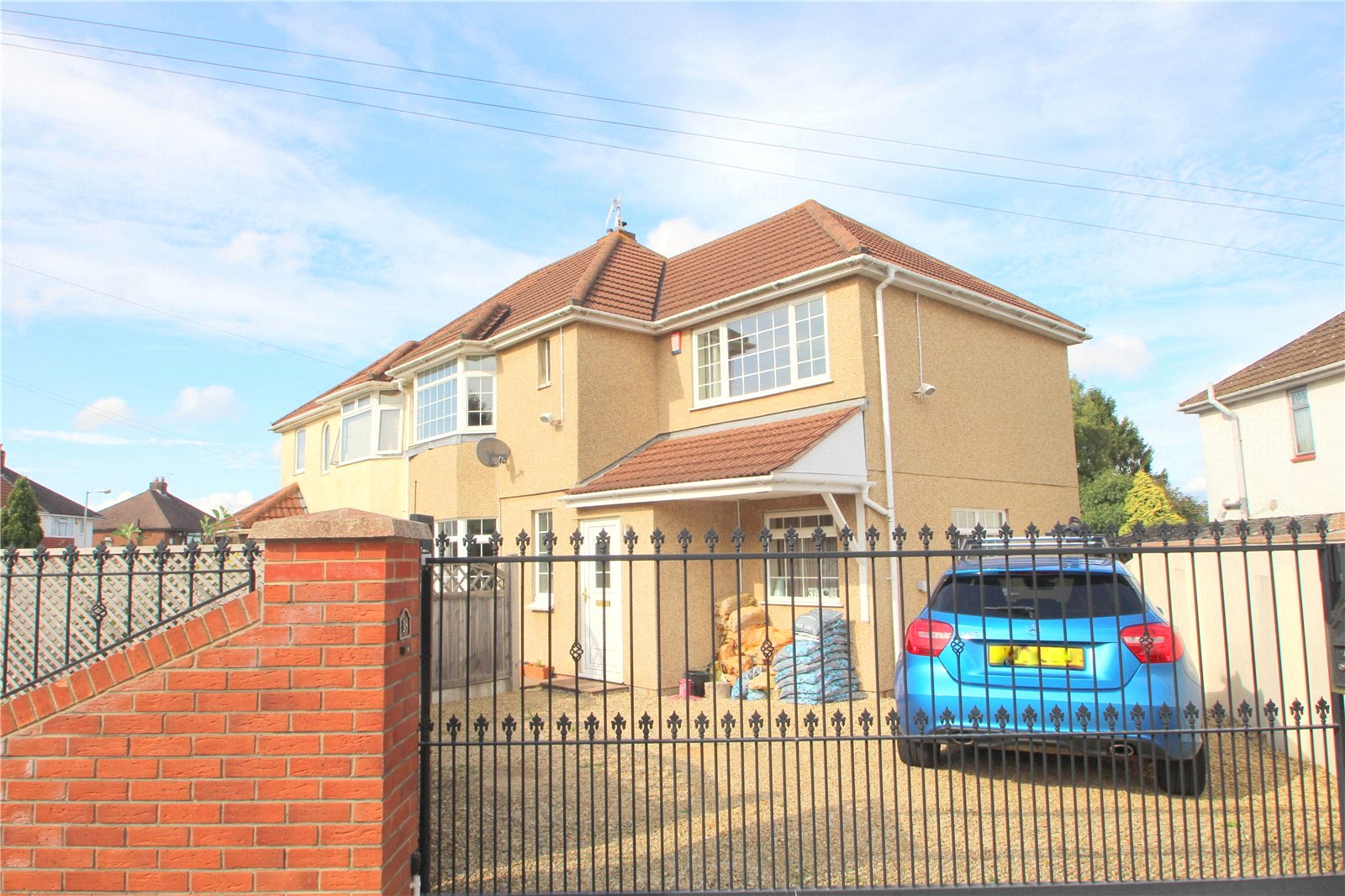 3 Bedrooms Semi Detached House for sale in Maytree Avenue Headley Park Bristol BS13