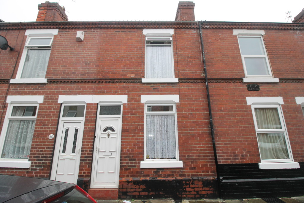 3 Bedrooms Terraced House for sale in Somerset Road, Hyde Park DN1