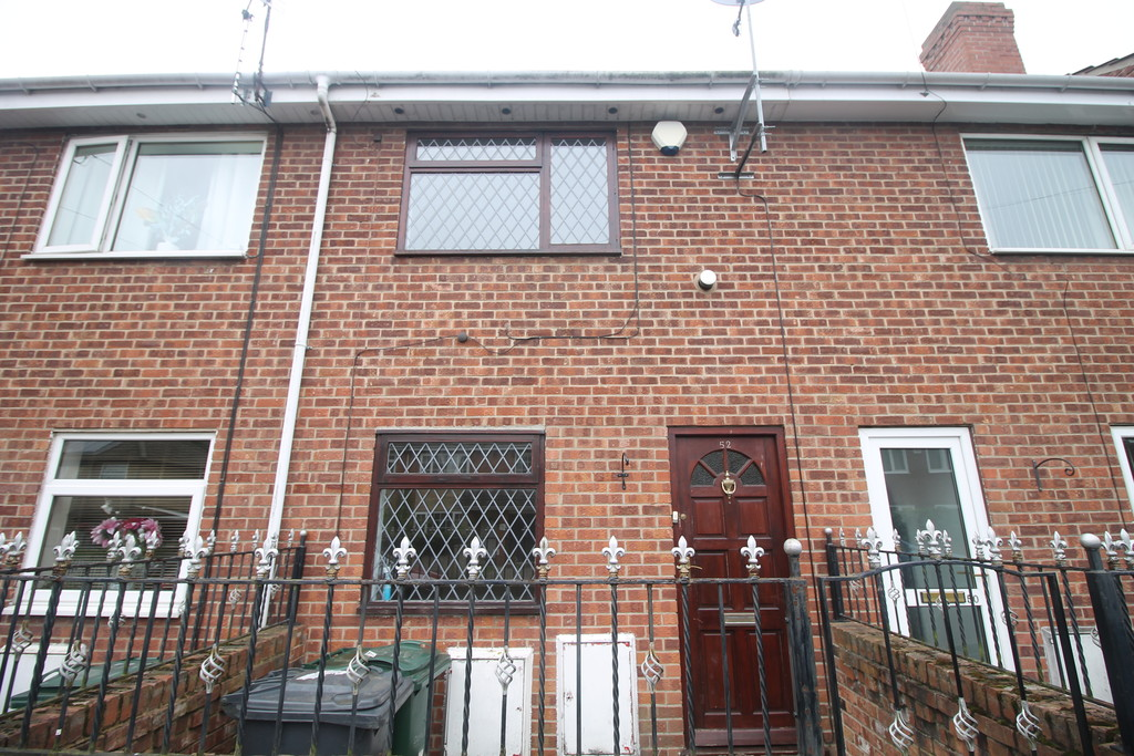 2 Bedrooms Terraced House for sale in Lower Kenyon Street, Thorne DN8
