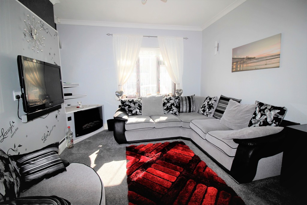 3 Bedrooms Terraced House for sale in Lower Oxford Street, Castleford WF10